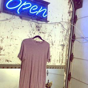 ♦️◽️BURGUNDY AND WHITE STRIPED T-SHIRT DRESS